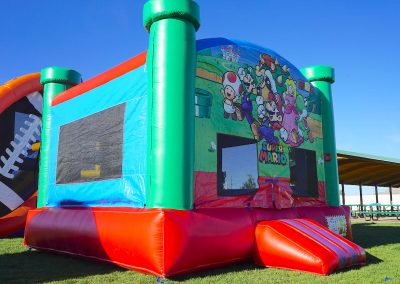 Super-Mario-Brothers Bounce-House 02